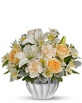 Teleflora's Kiss Me Softly Flower Arrangement